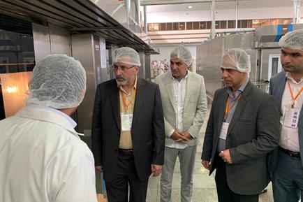 بازدید فرماندارمحترم قزوین از واحد صنعتی نان سحر در کاسپین